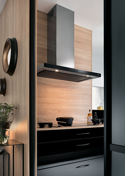 cuisine tallys laqu noir brillant cuisiniste salle de bains rangement dressing. Black Bedroom Furniture Sets. Home Design Ideas