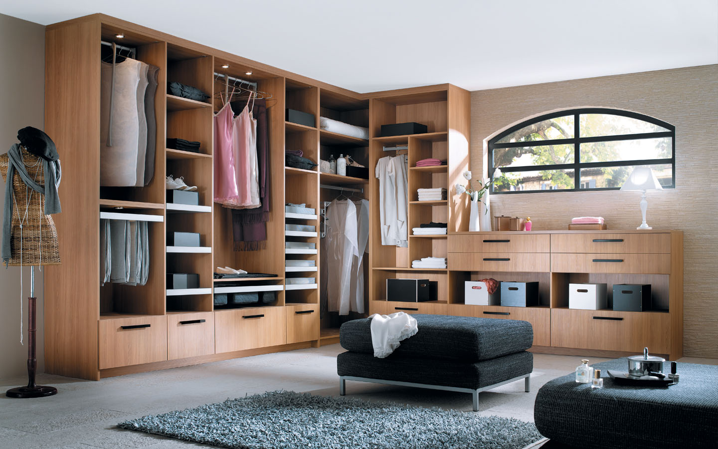 magasin dressing finest celio with magasin dressing great meubles en bois magasin ou dressing. Black Bedroom Furniture Sets. Home Design Ideas