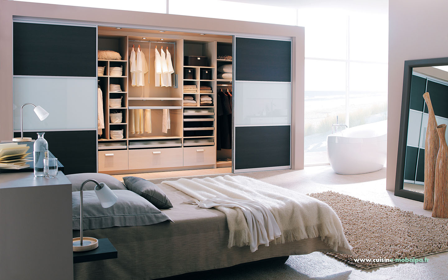 petite chambre avec dressing. Black Bedroom Furniture Sets. Home Design Ideas